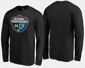 Michigan Wolverines 2018 Basketball National Championship vs. Villanova Wildcats Crossover Matchup Long Sleeve Men T-Shirt - Black