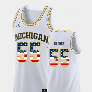 #55 Eli Brooks Michigan Wolverines USA Flag Mens College Basketball Jersey - White