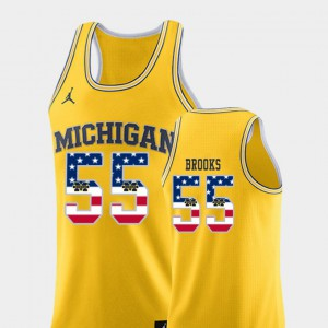 #55 Eli Brooks Michigan Wolverines USA Flag College Basketball Men Jersey - Yellow